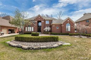 12982 BLUE LAKES Circle, Shelby Twp