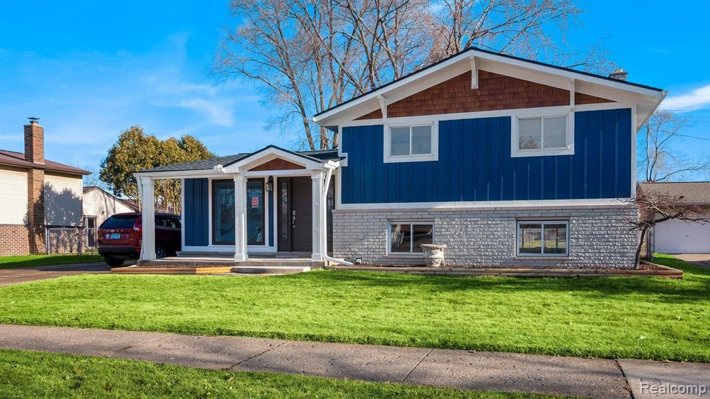 31306 CAMPBELL Road, Madison Heights 48071